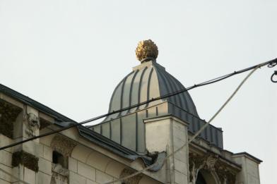 Zwieńczenie ryzalitu kamienicy Oszra Kohna, ul. Piotrowska 43