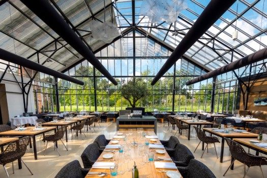 The-Most-Beautiful-Glass-Restaurants-in-the-World-12