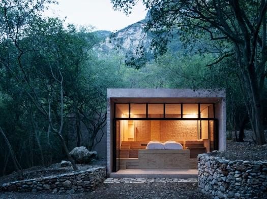 dom w górach, lesie