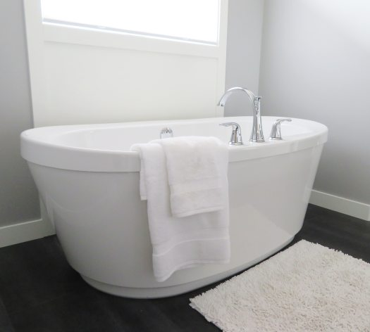 bath-bathroom-bathtub-534179